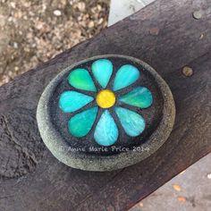 Flower mosaic on rock by Anne Marie Price #mosaic #AMP #ampriceart #rock #garden #decor #art