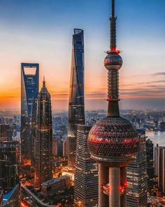 china photography The Dawn Of Shanghai Architecture Tour Shanghai, Visit Shanghai, Shanghai Tower, Shanghai Skyline, Ancient Greek Architecture, Amazing Architecture, Gothic Architecture, Places To Travel, Places To Visit