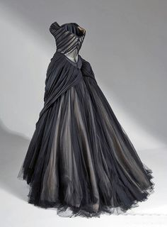 Evening dress, ivory silk and black tulle, 1945.