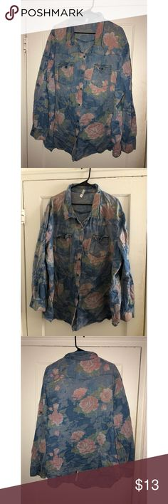 3eba65551 Floral Jean Shirt Worn twice, needs a new home. Size is a but fits like a  Runs small.