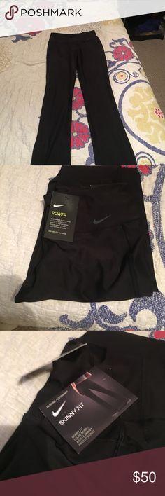 Small skinny fit Nike leggings, NWT NWT Black skinny for yogas, size S Nike Pants Leggings
