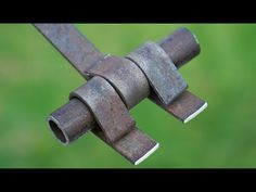 Impresionantes inventos modernos - YouTube Metal Bending Tools, Metal Tools, Welding Crafts, Welding Projects, Homemade Tools, Diy Tools, How To Weld Steel, Metal Fabrication Tools, Welding Works