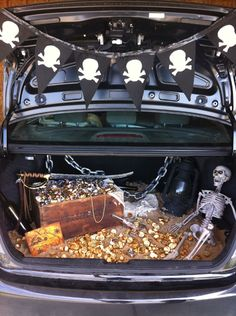 Trunk-or-Treat-Ideas :: Treasure Chest. This theme works perfectly for a trunk-or-treat. Just fill the chest with candy instead of treasure. Bonus points for chocolate coins!