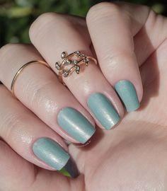 Combinando Esmaltes: verde-água com detalhes - Unha Bonita Nail Polish, Nails, 1, Beauty, Design, Beach Color, Silver Enamel, Manicure Tips, Tutorial Nails