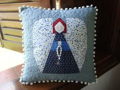 Throw Pillows, Quilts, Sewing, Home, Information Technology, You Are Special, Scrappy Quilts, Toss Pillows, Dressmaking