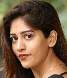 Indian Hot Girl Chandini Chowdary Real Face Closeup Without Makeup Beautiful Girl Indian, Most Beautiful Indian Actress, Beautiful Actresses, Indian Hair Cuts, Indian Natural Beauty, Indian Bollywood Actress, Cute Beauty, Brunette Beauty, Photo Makeup