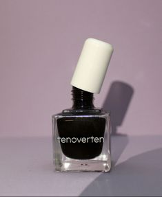 Did you ever think non-toxic nail polish was possible? Well, this brand allows that to be a reality! I love using clean, natural beauty products. Check out what ingredients tenoverten is using and why they are considered clean! Clean Nails, Cuticle Oil, Nail Care, Natural Beauty, Beauty Products, Nail Polish, Cleaning, Check, Cosmetics