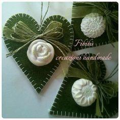 Decorazioni a forma di cuore in feltro con gessetti profumati Visitate le mie pagine Facebook: https://www.facebook.com/Shabby-cards-e-non-solo-611082892367606/?ref=hl https://www.facebook.com/Fibibò-creazioni-handmade-336946199676598/?ref=hl
