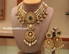 22 carat gold choker strung with south sea pearls and a central two step pendant studded with kundans, emerald and south sea pearl drops, paired up with matching earrings. Indian Jewellery Design, Latest Jewellery, Jewelry Design, India Jewelry, Gold Jewelry, Dior Jewelry, Sapphire Jewelry, Diamond Jewellery, Dainty Jewelry