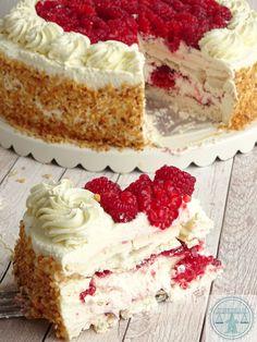 Pinned by: ☾OohmyJupiterr Pie Cake, No Bake Cake, Cookie Desserts, Dessert Recipes, Beignets, Cake Recept, Baking Bad, Meringue Cake, Cupcake Images
