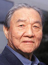 † Ikutaro Kakehashi (87) 01-04-2017 Ikutaro Kakehashi, de oprichter van muziekbedrijf Roland, is op 87-jarige leeftijd overleden. De Japanner ontwikkelde verschillende drumcomputers, waaronder de beroemde Roland TR-808. https://youtu.be/muyhaWWZJwI?t=68