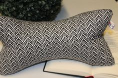Throw Pillows, Blue Streaks, Reading, Toss Pillows, Cushions, Decorative Pillows, Decor Pillows, Scatter Cushions
