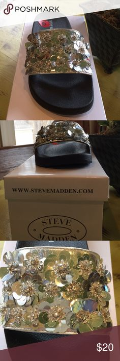 🌟 NWOT 🌟 Silver Sandals Brand New! Love ❤️ Silver especially sandals 👡 Look great at the Pool 🏊♀️ Steve Madden Shoes Sandals