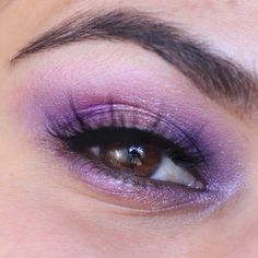 Eyeshadow look using NEW Urban Decay Naked Ultraviolet Palette Review & Swatches | Slashed Beauty #urbandecay #purplemakeup Make Up Tutorials, Makeup Tutorial For Beginners, Beauty Makeup Tips, Eye Makeup, Beauty Hacks, Beauty Products, Make Up Looks, Eyeliner, Beauty And The Best