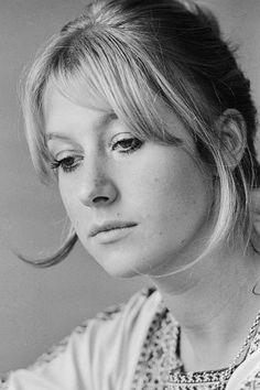 Helen Mirren daria uma boa Morgause/Margaret porque ela jovem também se encaixaria no papel.
