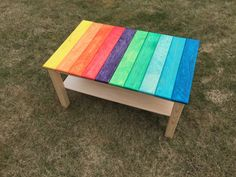 Nachdem das mit der Regenbogenwippe so gut geklappt hat wurde beschlossen im Wohnzimmer den ollen, in die Jahre gekommenen IKEA Lack Tisch rauszuwerfen und selbst einen zu bauen. Designtechnisch angelehnt an die Wippe sollen oben wieder Bretter in den Regenbogenfarben die Tischfläche bilden und zum Design, Diy, Furniture, Home Decor, Seesaw, Rainbow Colours, Game Rooms, Boards, Sitting Rooms