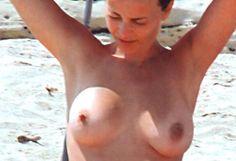 Violante Placido pillada haciendo topless en Italia - Ríete tú que yo no puedo