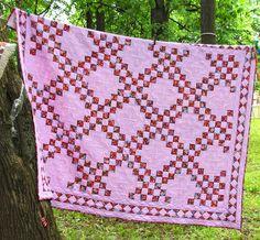 Mesterværker på tøjklemmer. Fair quilts - 2015 .. Diskussion om LiveInternet - Russisk service Online Diaries Pink Quilts, Blanket, Crochet, Beautiful, Color, Colour, Ganchillo, Blankets, Cover