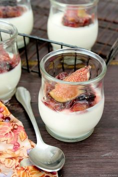 Delicious Shots: Panna Cotta with Figs