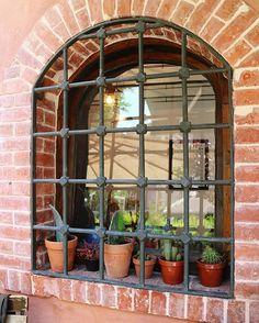 morning joy: red brick + cactuses şöyle bahçeli bir evim olsa ah olsa  #decor #plants #cactus #brickwall #garden #home #decoration #housedecor #house #homedecor #inspiration #thehappynow #red #green #istanbul #joy #morningslikethese #bestoftheday #instamood #dreams #dreaming