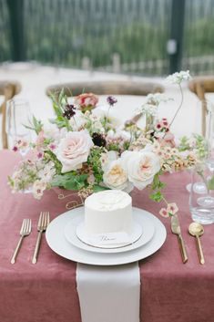 Mauve Romance at a Texas Villa | Photography by All White Wedding, Elegant Wedding, Wedding Day, Wedding Table Place Settings, Burgundy Colour Palette, Film Cake, Marriage Day, Cupcake Display, Fall Wedding Centerpieces