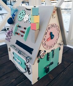 Amazing 33 Exciting Diy Busy Boards Ideas For Toddler Learning That You Need To Try Baby Sensory Board, Toddler Activity Board, Baby Sensory Play, Toddler Learning, Toddler Toys, Baby Toys, Kids Toys, Busy Boards For Toddlers, Board For Kids