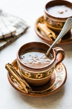 How To Make Champurrado, Champurrado Recipe, Mexican Drinks, Mexican Food Recipes, Mexican Cooking, Chai Tea Recipe, Mexican Chocolate, Latin Food, Dessert For Dinner