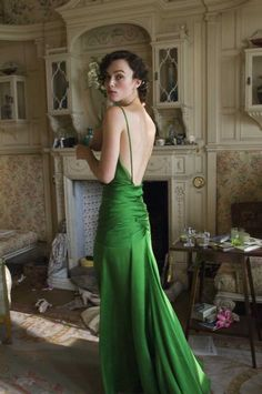 Kiera Knightley as Cecila in Atonement. The Green Gown To End All Other Green Gowns.