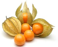 #Colombian #fruits: #Uchuva, AKA cape gooseberry - a tangy, creamy berry enclosed in a papery calyx, perfect for healthy snacking on the run.