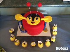 This is my boy's 1st birthday cake we had a week ago. we also had cupcakes with honey bee's :)
