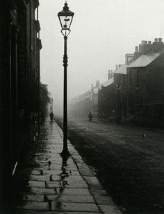 there is something so romantic about streetlamps. Bill Brandt