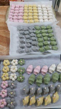 31번째 이미지 Korea Cake, Korean Rice Cake, Sweet Soup, Tea Snacks, Bakery Design, Home Baking, Rice Cakes, Sweet Desserts, Light Recipes