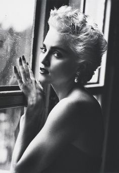 Madonna by Herb Ritts. A very young Madonna! Black White Photos, Black And White Photography, Madonna Music Videos, Madona, Madonna Photos, La Madone, Herb Ritts, Monochrom, Vanity Fair