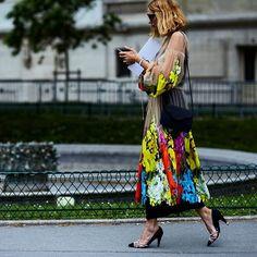 #parishautecoutureweek @candela_________ photo by @shotbygio @wmag #style#styling#stylish#street#streetstyle#fashion#fashionable#cool#instamood#instafashion#woman#women#womensfashion#womensstyle#moda#shoes#loveit#streetlook#sexy#instyle#tagsforlikes#luks#followme#luxury#blogger#fashionweek#luxurystyle#luxuryfashion#candelanovembre