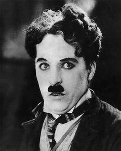 cinema em preto e branco _ Charlie Chaplin