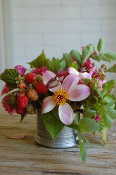 Tutorial on making a gorgeous summer flower arrangement