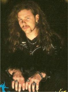 """~JAYMZ HETFIELD (IF YA LOOK CLOSELY YOU CAN SEE CLIFF'S BELOVED """"SKULL RING ON HETFIELDZ RIGHT HAND~"""