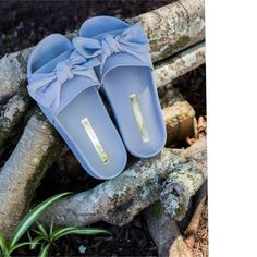 Fashion Slippers, Fashion Boots, Pretty Shoes, Cute Shoes, Cute Sandals, Shoes Sandals, Sock Shoes, Shoe Boots, Cute Slippers