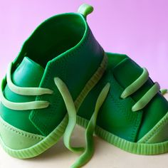 How to make baby shoes http://cakejournal.com/tutorials/how-to-make-baby-shoes/