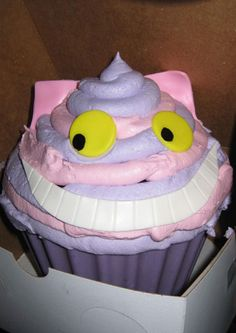 Alice in Wonderland themed Cupcakes » Best Cupcake Pins