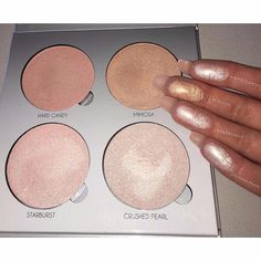 Anastasia Beverly Hills Glow Kit in Gleam, adds such a pretty glow to your skin!