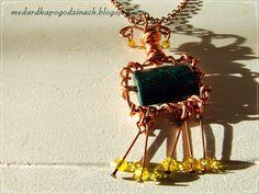 Medardka po godzinach: Upcykling - biżuteria z drutu od komputera?