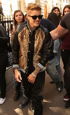 September 30: [More] Justin shopping on Avenue Montaigne in Paris, France.