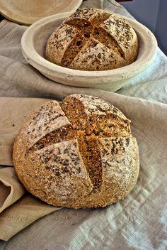 Pan integral con avena y semillas de hinojo, o las tribulaciones de un cocinero a dieta