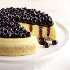This rich, creamy and gluten-free blueberry cheesecake with vanilla bean has a ground almond crust & uses mascarpone cheese for sophisticate