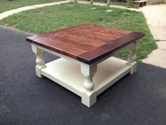 Stained and painted coffee table....DIY Tutorial..More from http://ana-white.com/2014/08/corona-coffee-table