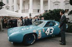 Richard Petty, King Richard, Nascar Champions, Nascar Race Cars, American Racing, Grand National, Vintage Race Car, Road Runner, Courses