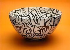 Cerâmica Ceramic Pottery, Ceramic Art, Sgraffito, Posca, Inspirational Gifts, Jewelry Art, Decorative Bowls, Sculptures, Porcelain
