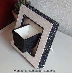 Apres l'encadrement , place au cartonnage ! je commence par Marie-Christine G et son magnifique mini porte plante ( Modèle de Lydia Merret ) Le noir et blanc ... j'adore ! Dominique C a fait une boite corolle ou boite ballon .... C'est un modèle qu'on...