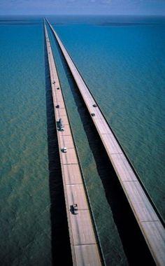 #Lake_Pontchartrain_Causeway in #Metairie, #Louisiana - #USA http://en.directrooms.com/hotels/subregion/10-158-3809/